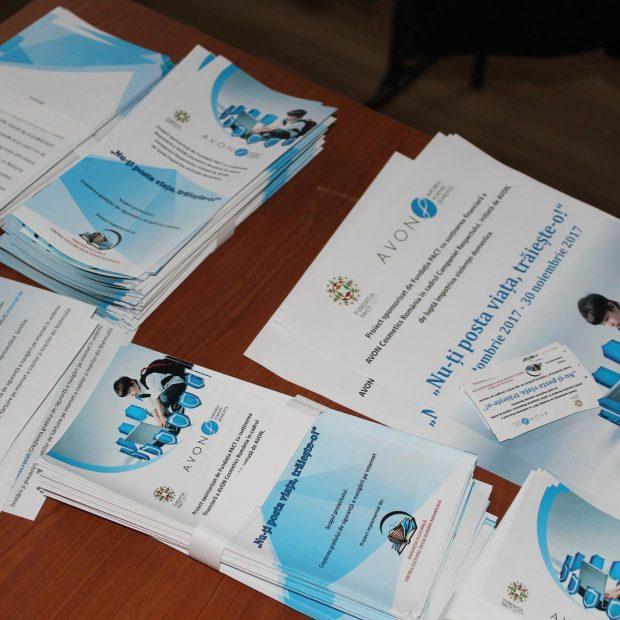 Campanii locale despre violența în cuplu și violența online